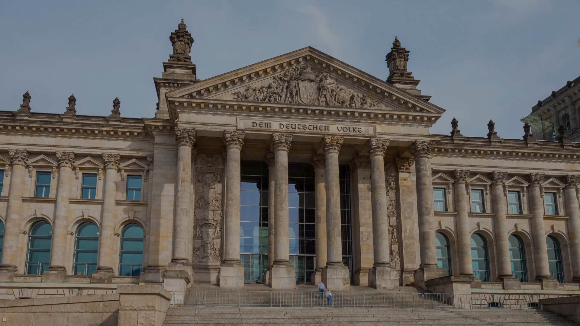 This image shows the German Reichstag building. It illustrates the homepage of the website of the Progressive Governance Digital Symposium 2020.